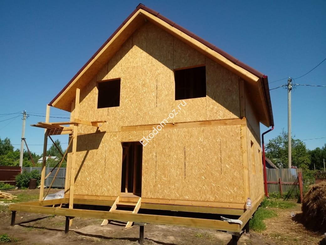 дом из СИП панелей с мансардой